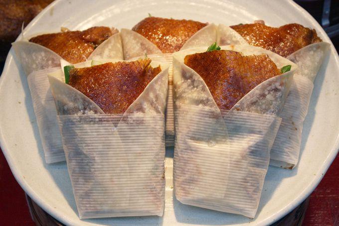 神戸南京町で人気急上昇中の北京ダックと角煮バーガー