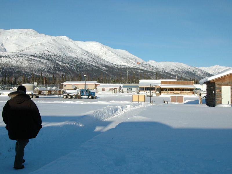 足が凍る!?アラスカの「コールドフット」は足が凍るほど寒い北極圏の村