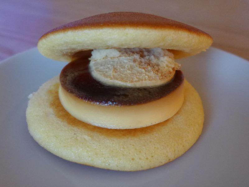 湯布院を訪れたら「ぷりんどら」の工場へも!大分県「お菓子の菊屋」でスイーツ三昧