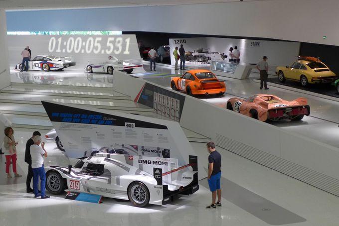 ポルシェ博士の夢を実現したスポーツカー