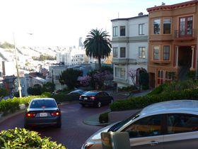 想像以上の急カーブ!坂の街サンフランシスコ「ロンバートストリート」が面白い