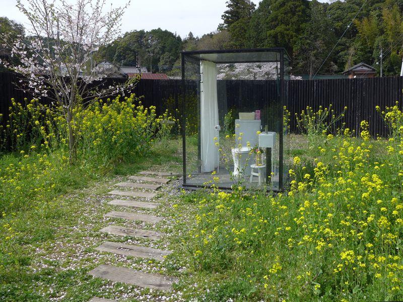 ここは花畑?いいえ!女子トイレです!千葉県「飯給駅」の女子トイレがスゴイ!