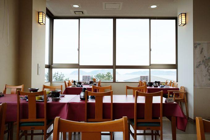 レストランの窓からも海が見えます
