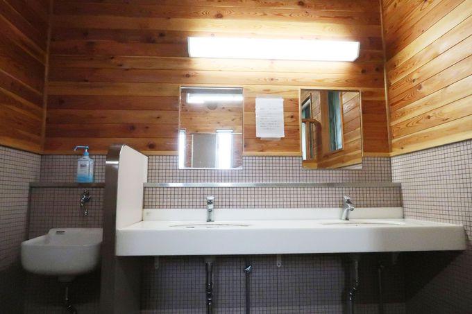 炊事場も洗面もきれいで安心!