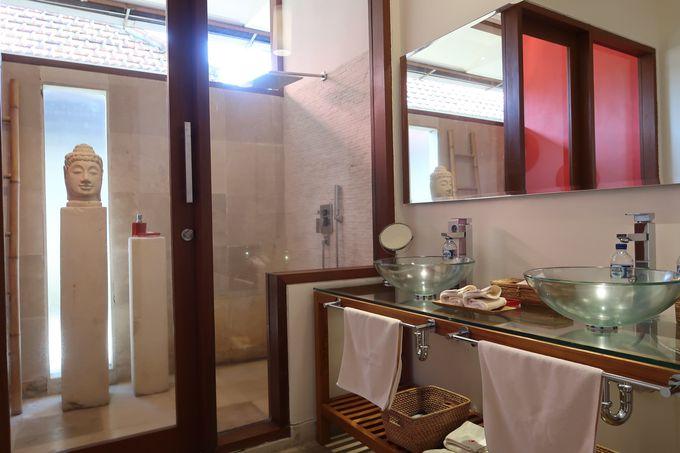 広いバスルーム!2人が1度に使える洗面も!