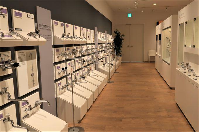 洗面台や水栓金具も歴代商品が並ぶ!