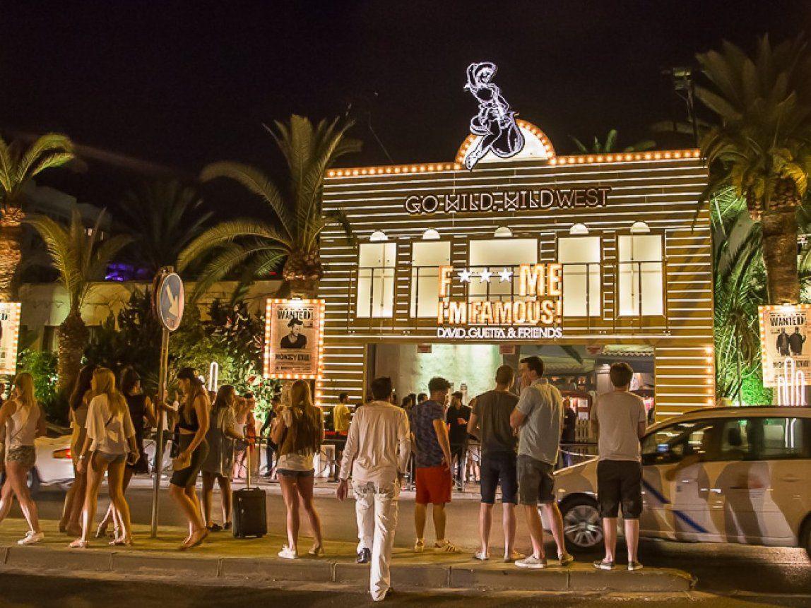 イビサ島で40年営業している老舗クラブPachaで朝まで踊り明かす!