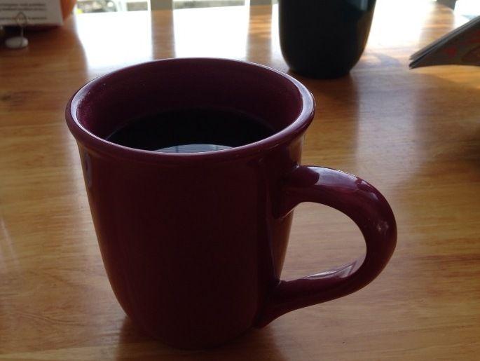 空調はナシ。モーニンググラスカフェでコーラル山脈の風を感じながら珠玉のコーヒーをいただく