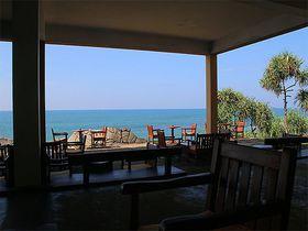 インド洋が目の前!スリランカの極上リゾート「ジェットウィング・ライトハウス」は天才建築家がデザイン