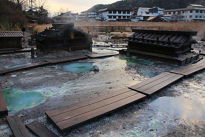 奥日光湯元温泉は源泉が湧き出る温泉地
