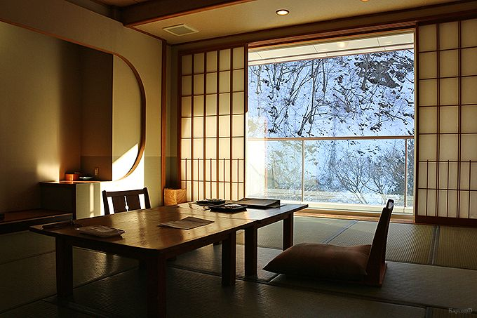 山奥の一軒宿「横谷温泉旅館」
