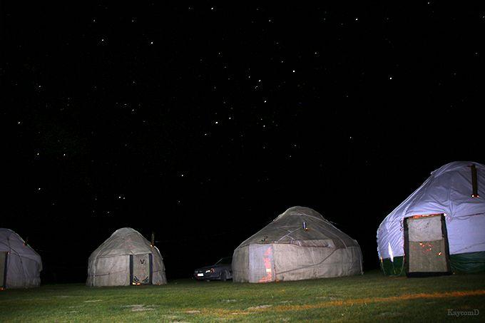 標高3000mのユルタに宿泊!キルギスのソン・クル湖畔で遊牧民の生活を体験