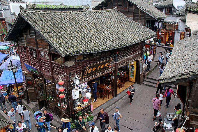 少数民族の伝統が残る鳳凰古城