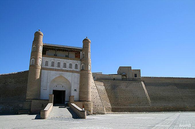 ブハラ発祥の地とされるアルク城