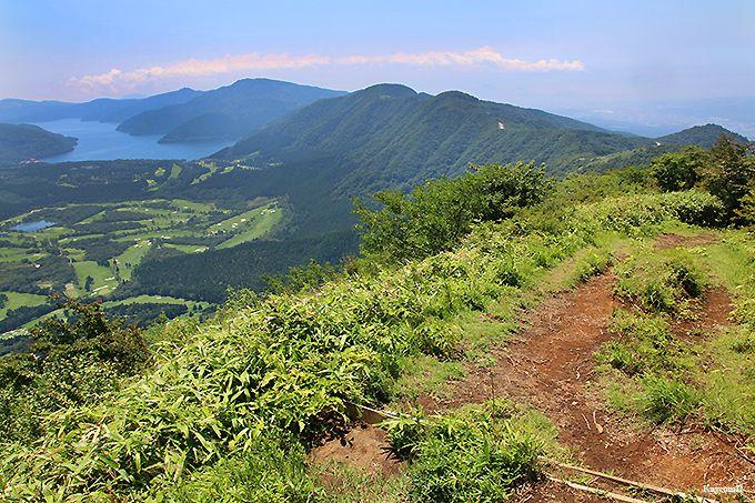 丸岳山頂から長尾峠