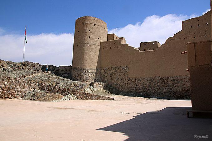 映画のセットのような城塞