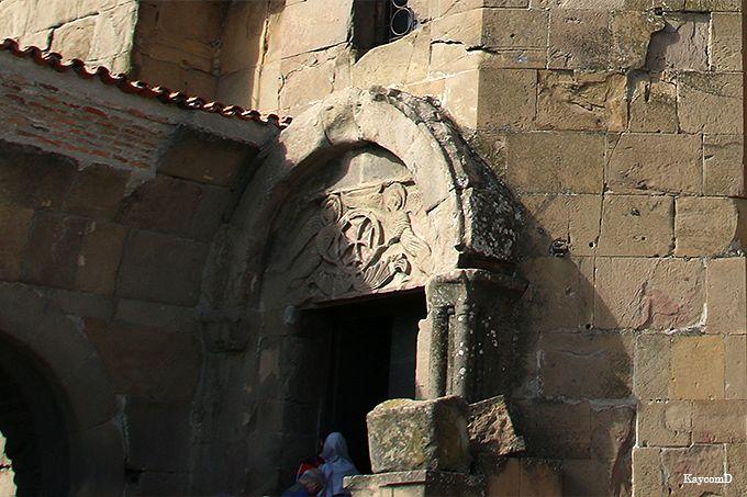 十字架の形をしたジュワリ修道院
