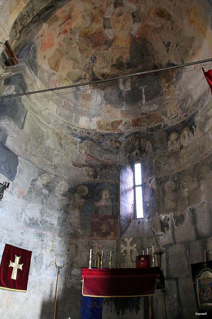 フレスコが残る教会