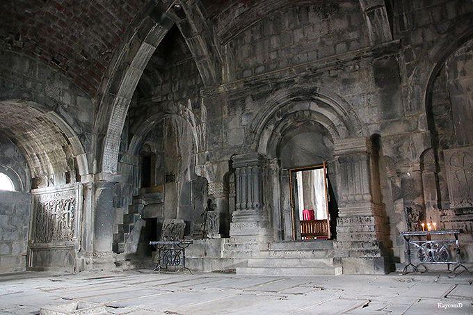 伝統的な建築の聖堂