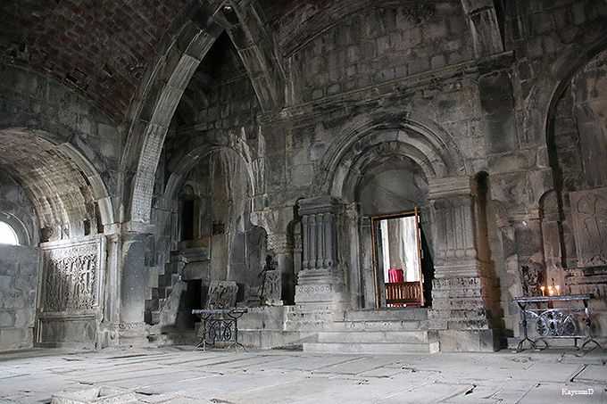 美しい十字架も必見!アルメニアの世界遺産ハフパット修道院