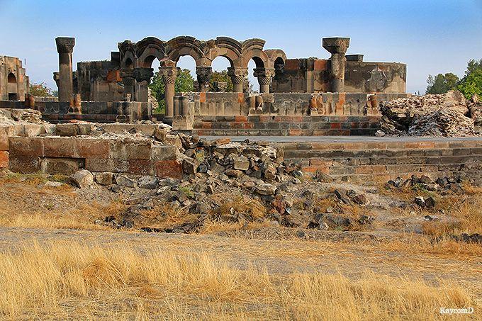 世界遺産「ズヴァルトノツ古代遺跡」