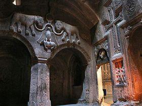 ロンギヌスの槍が由来!アルメニアの世界遺産ゲガルド修道院