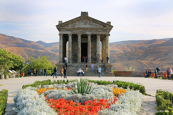 アルメニアで唯一残る建築!太陽神を祀ったガルニ神殿