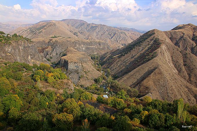 大絶景の渓谷とストーン・シンフォニー