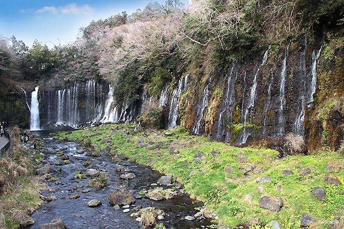 修行の場でもあった「白糸の滝」