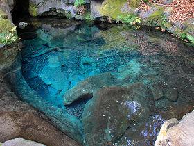 富士山と滝だけじゃない!伝説が伝わる静岡「白糸の滝」周辺の見所