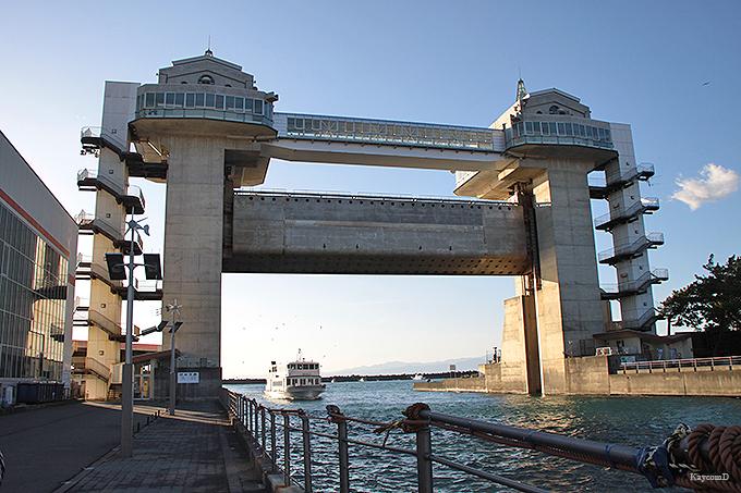 日本最大級の「沼津港大型展望水門びゅうお」