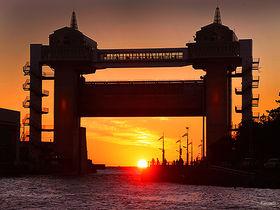 夕日の名所も!静岡県沼津港周辺の観光スポットはここ