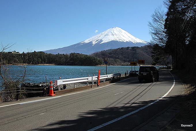 「河口湖大橋」からの富士山が美しい「河口湖」