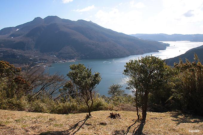 眺望スポット「富士見ヶ丘公園」と「芦ノ湖展望公園」