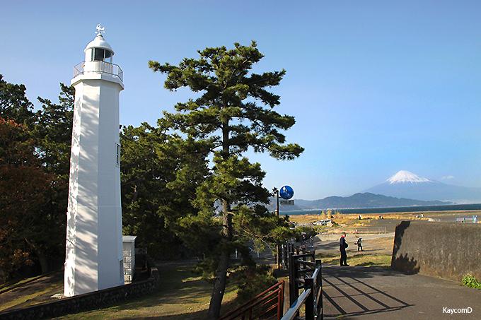 日本初の鉄筋コンクリート造の「清水灯台」