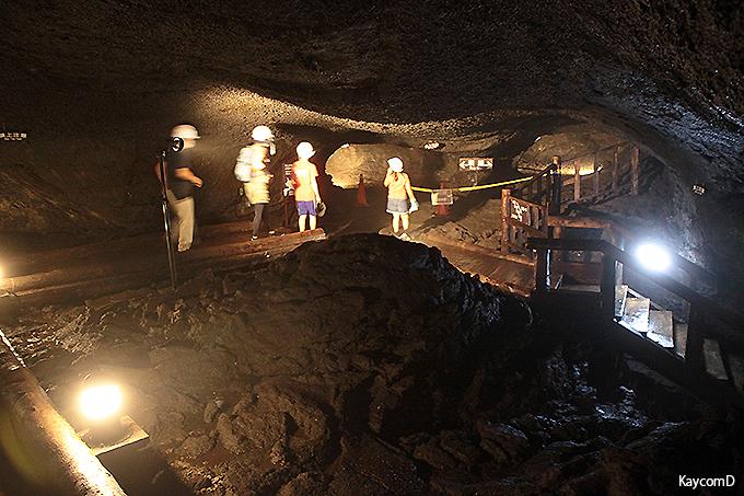 富士山麓の洞窟探検!西湖コウモリ穴と竜宮洞穴の神秘の世界