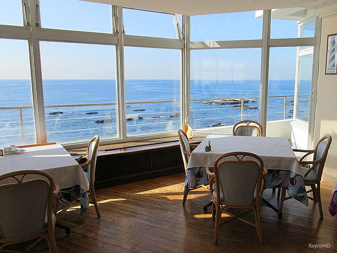 三浦半島の海に囲まれた「佐島マリーナホテル」で癒しステイ