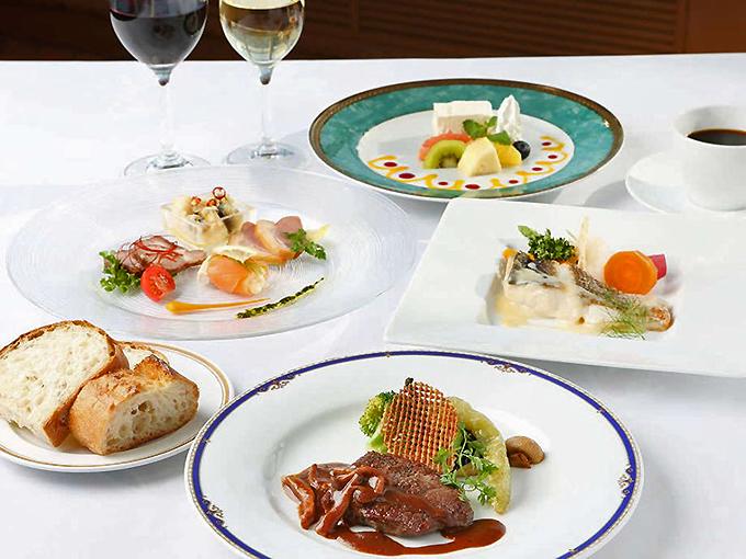 地魚や三浦野菜が美味しい「ベイサイドレストランカフェ モア」