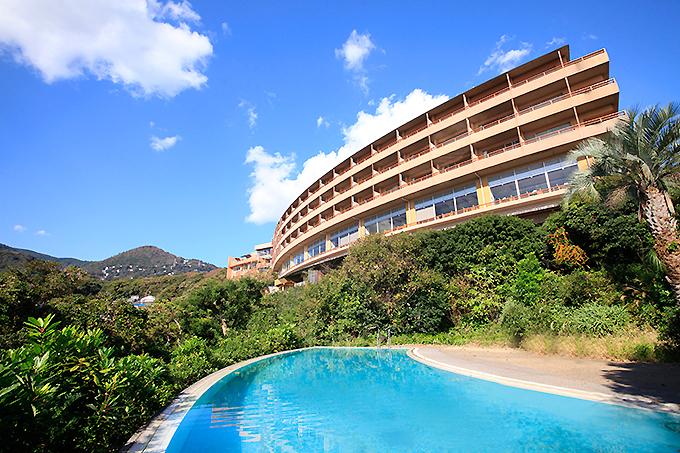 森と海に囲まれた「赤沢温泉ホテル」
