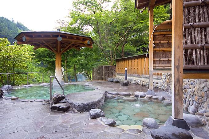 共同浴場や飲泉所で温泉三昧