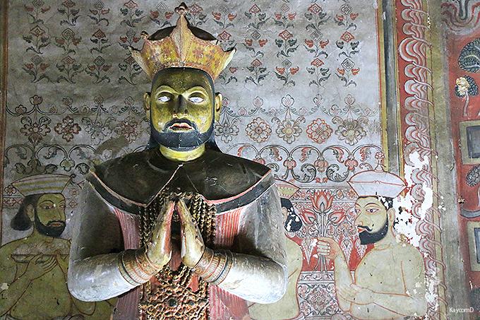 びっしりと並ぶ仏像がすごい第3窟