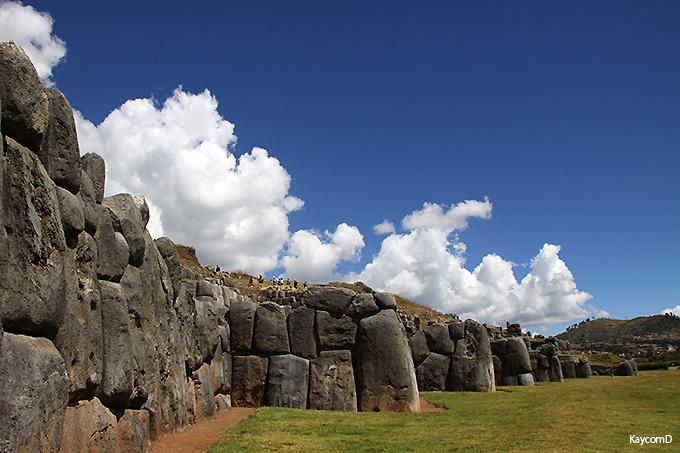 インカ文明のジグザグの遺跡「サクサイワマン」と「ケンコー」