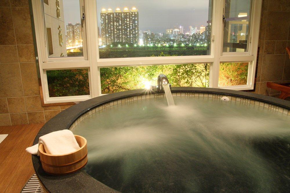 ジェットバスもある大きなお風呂で極楽気分