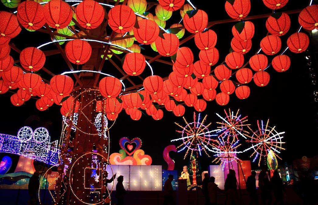2.台湾「ランタンフェスティバル」