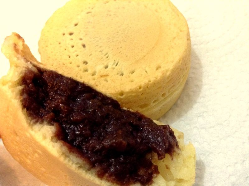 学生たちに人気の放課後のお供「紅豆餅」