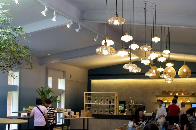 台湾土産の常連サニーヒルズの南投本店が新しく!パイナップルの里の大人気店を訪ねて