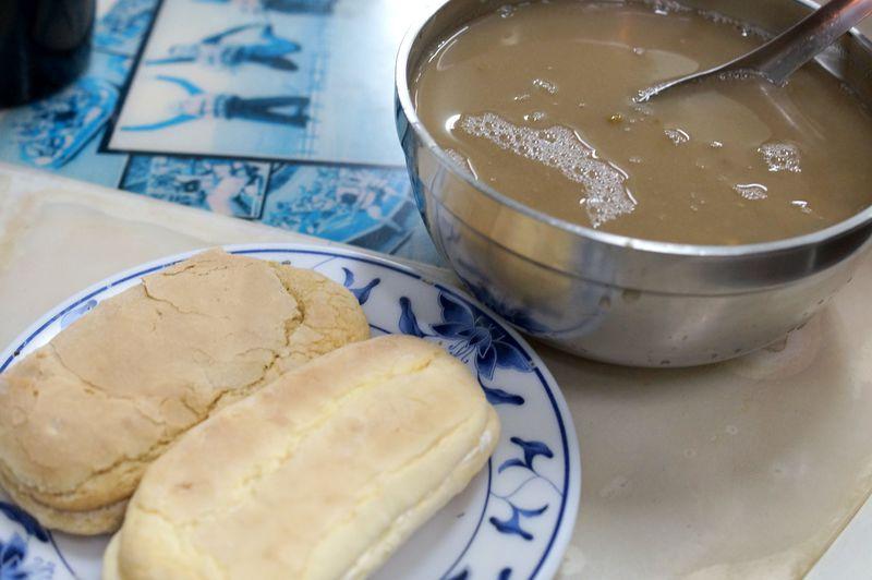 台湾式マカロンとパイプから紅茶!?花蓮「廟口紅茶」がローカル楽しい!