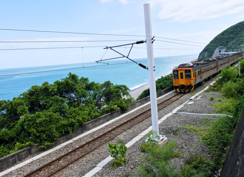 電車と海の組み合わせが美しい!「多良火車站」