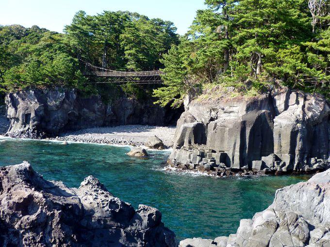 断崖絶壁に架かる絶景の橋「橋立吊橋」