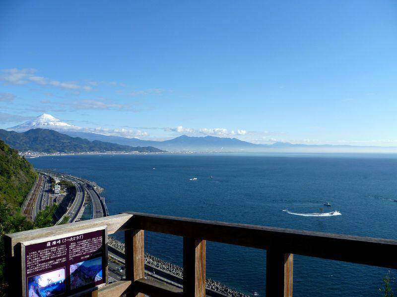 由比の最強コラボ!富士山の絶景「薩埵峠」と「くらさわや」の桜えび料理